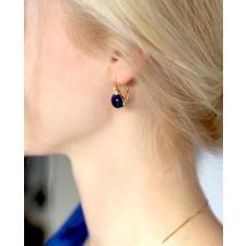 Goldener Ohrring blau Amalia am Ohr