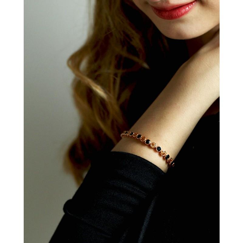 Madeleine - rose Armband schwarz champagner am Arm