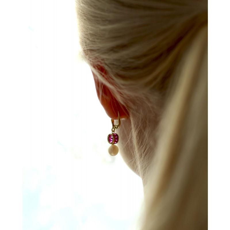 Ohrring mit Perle Letizia von hinten am Ohr