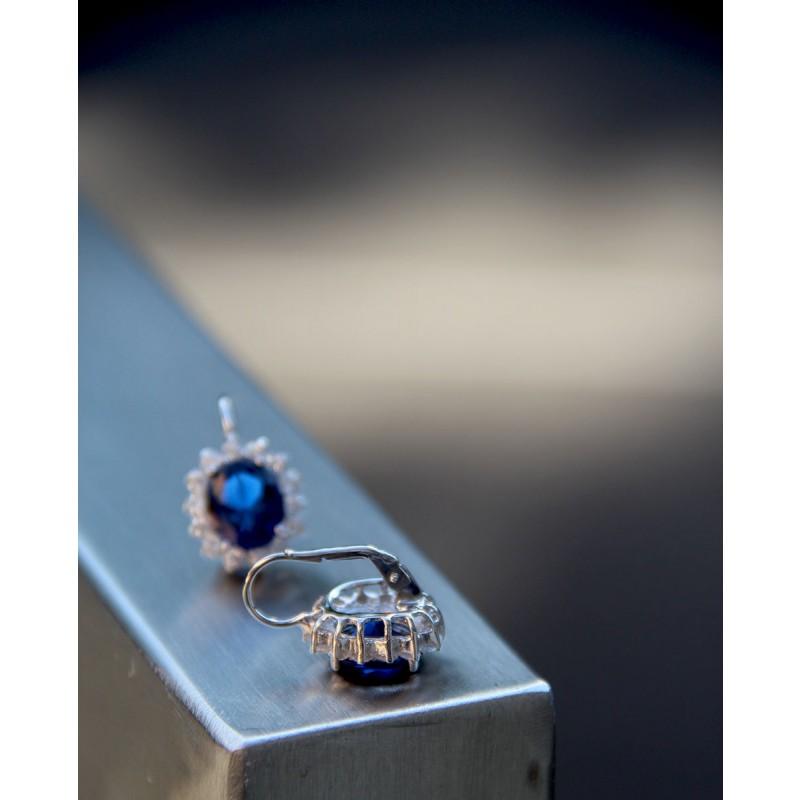 Ohrringe Sissi silber saphir blau von der Seite liegend