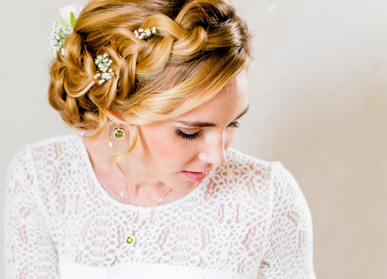 Braut Ohrringe weiß und grün passend zu Schleierkraut